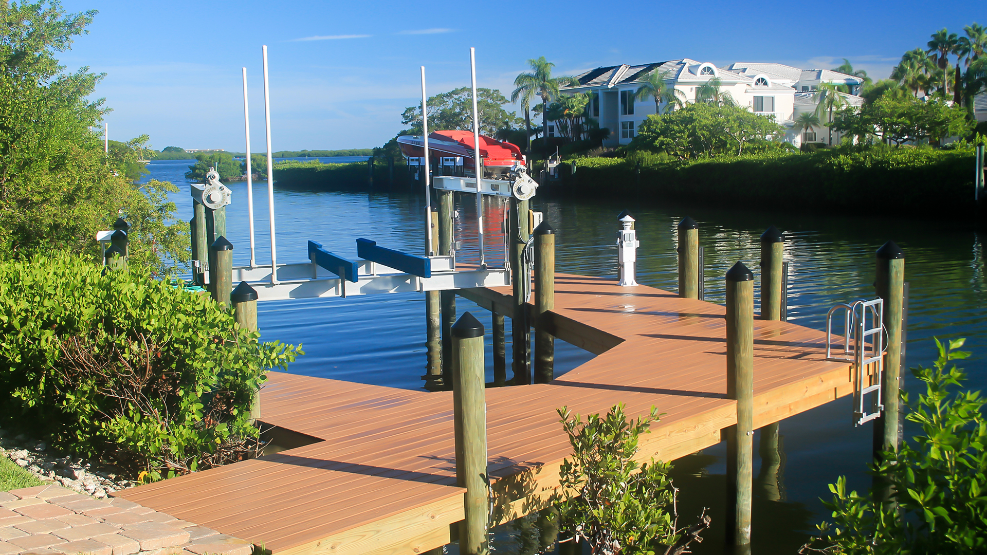Trex Decking at Duncan Seawall for Your Dock Construction Project
