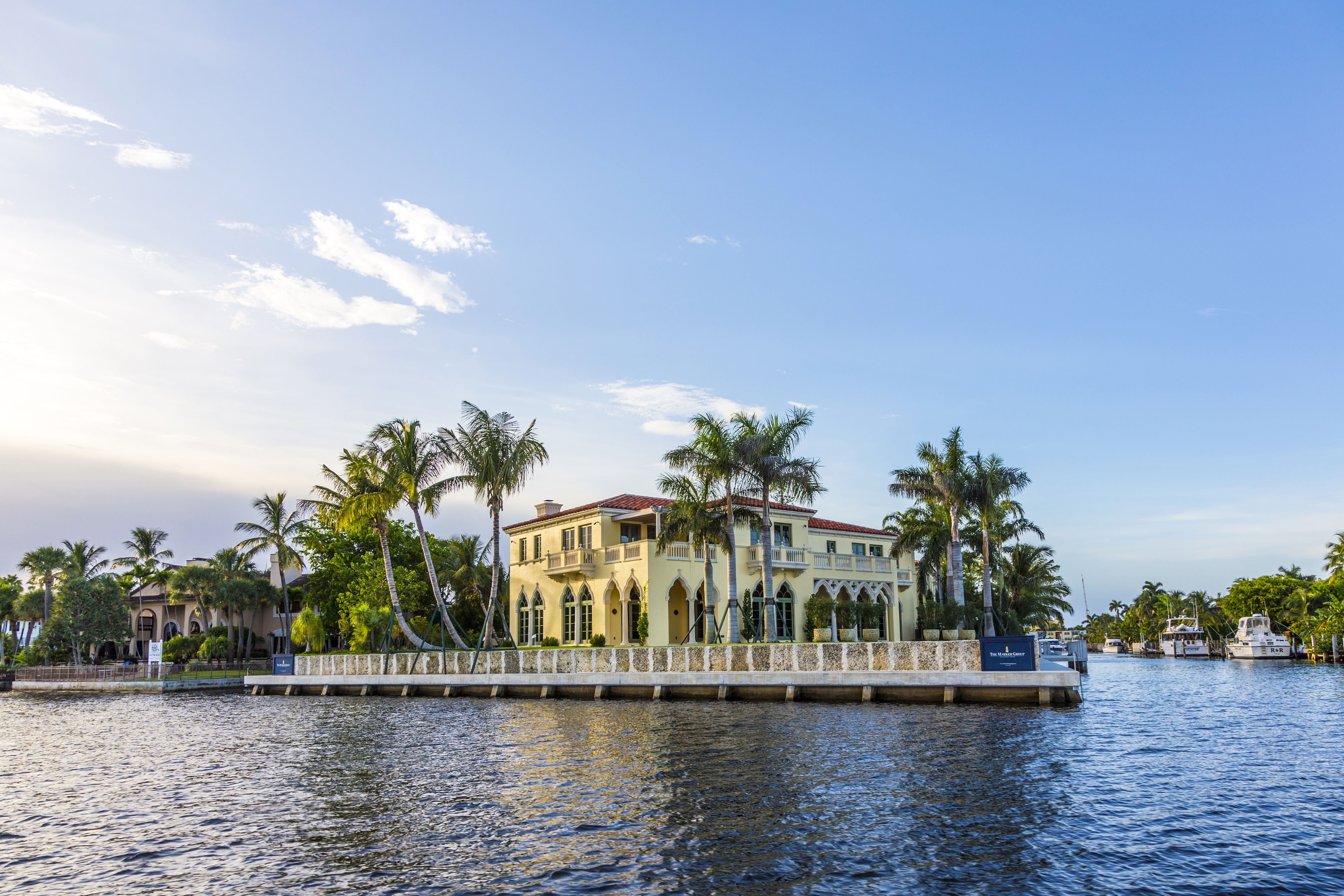 Florida home with seawall