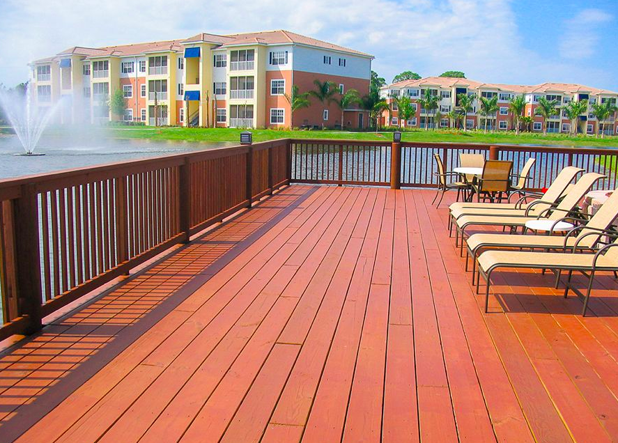 Trex Decks: 5 Reasons to Avoid Wood in Florida